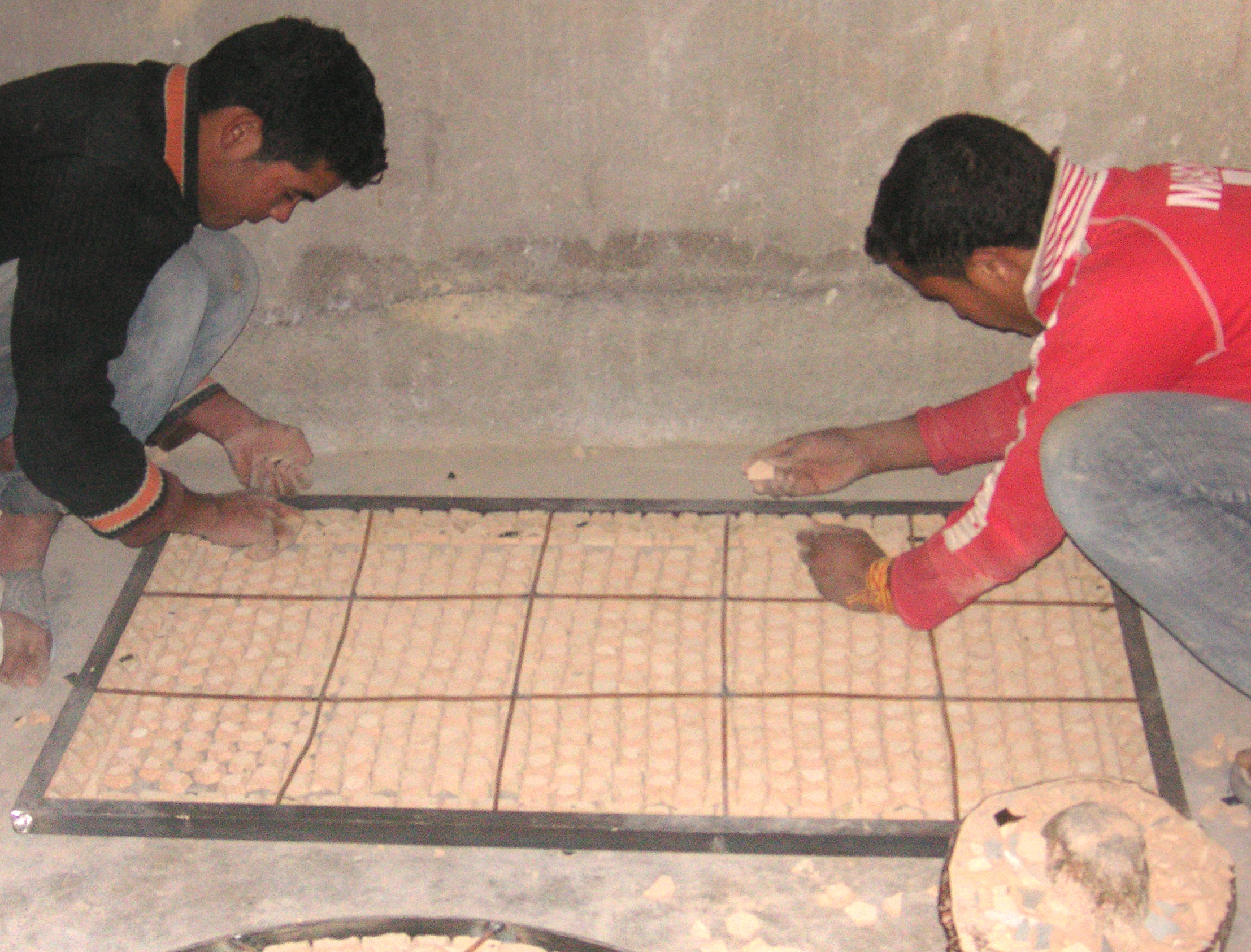 marokkanisches_mosaik_handarbeit